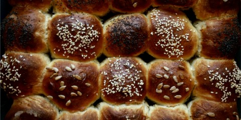 mixed seed bread rolls